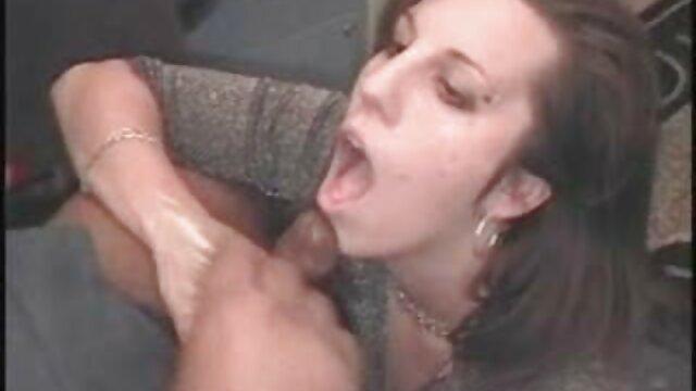 Աղջկա հետույքը մեծ սեքս տեսանյութեր արձակուրդների առաջին օրը: